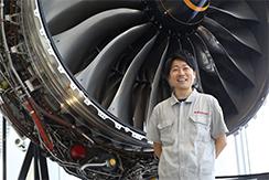 川崎重工業株式会社の航空機エンジンの調達業務について、中途採用のバイヤーにお話を伺いました。
