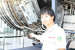 川崎重工業株式会社の航空機用発電装置の設計開発業務について、中途採用のエンジニアにお話を伺いました。