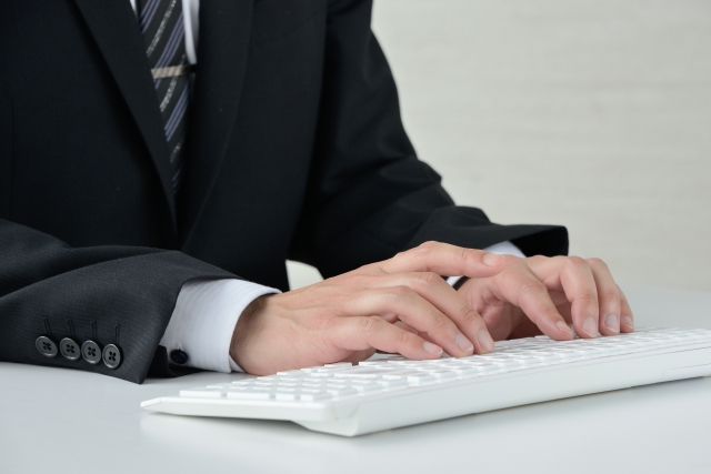 推薦文を打つエージェントのイメージ画像