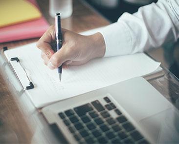 【転職で有利】社内SEの資格・スキルを解説