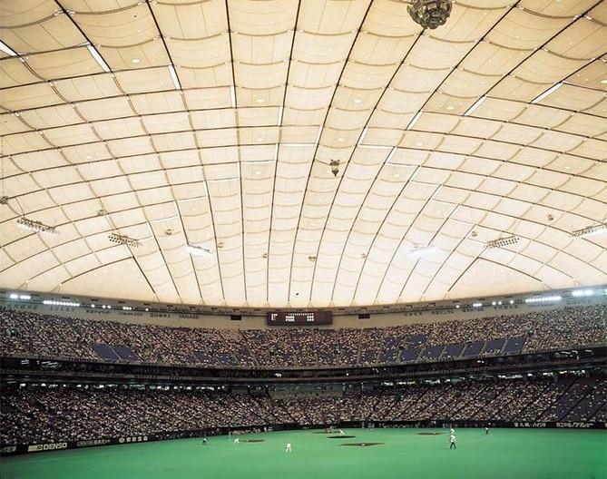 世界シェア70%を誇る同社の膜構造建築物(東京ドーム/公式HPより)